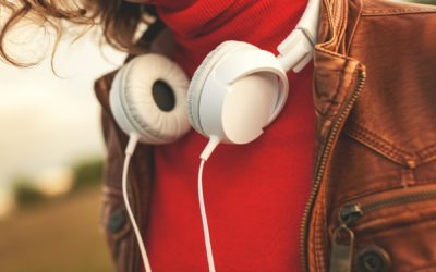 Wer hört Podcasts? Aktuelle Studie zu Zielgruppen und HörerInnen